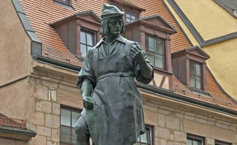 Monumen Peter Henlein