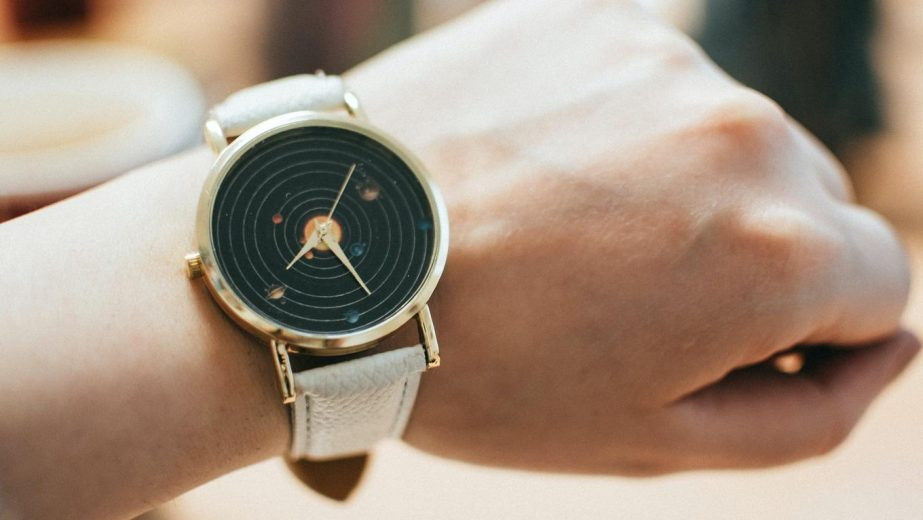 Cara merawat jam tangan kulit agar awet seperti baru